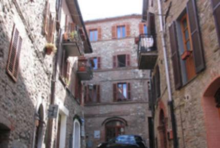 Elegant Italian Townhouse - Ficulle, Italy