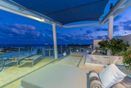 Ocean Front Penthouse 09 Private Rooftop Jacuzzi