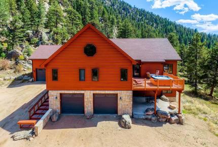 Narrow Trail - Stunning Mountain Home