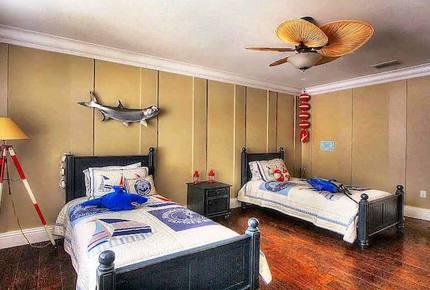 Middle Keys Waterfront Masterpiece - Marathon, Florida