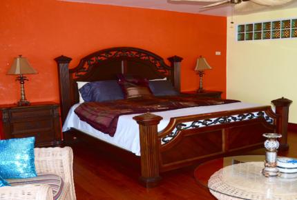 Oceanfront Villa Caprice - Nassau, Bahamas