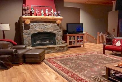 Tahoe Donner Truckee Ski View Loop Home - Truckee, California