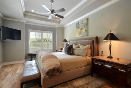 Austin Clarksville Home - Austin, Texas