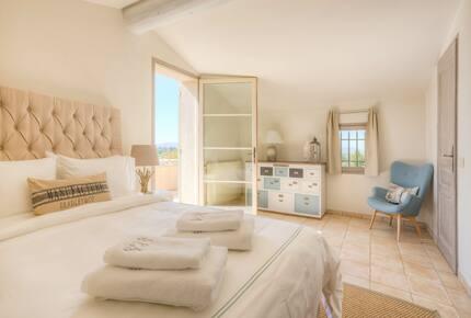 Luxury Mas Provencal - Merindol, France