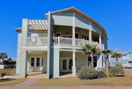 Cinnamon Shore Luxury Summer House - Port Aransas, Texas