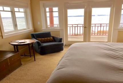 Whidbey Island Waterfront Paradise - Greenbank, Washington