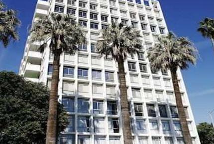 Hollywood Living - Los Angeles, California