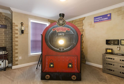 Located 6 Miles to Disney, in Luxury Reunion Resort