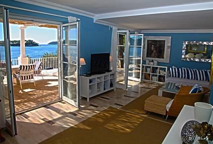 Mey's Place beach villa