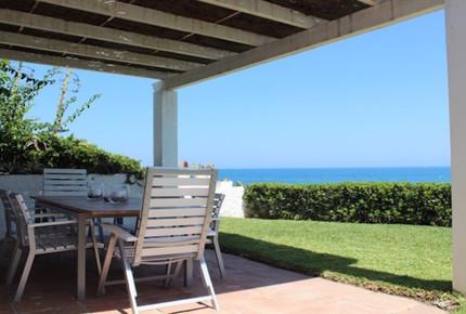 Beachfront villa in Estepona - Estepona, Spain