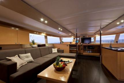 TradeWinds 59' 5-Cabin Crewed Catamaran Luxury Class – Guadeloupe Sailing Vacation