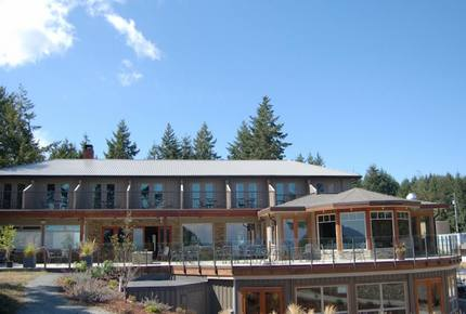 Mayne Island Luxury Cottage