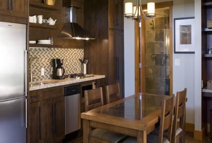 Mayne Island Luxury Cottage