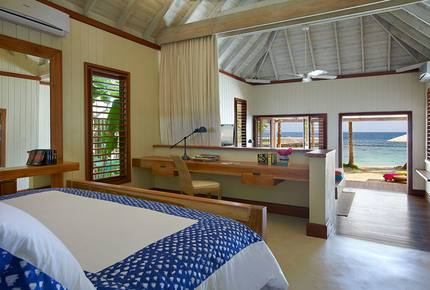 CURATED BOUTIQUE ISLAND HIDEAWAYS