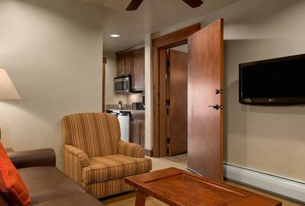 Grand Lodge 4 Bedroom Ski-in/Ski-out Luxury Residence - Breckenridge, Colorado