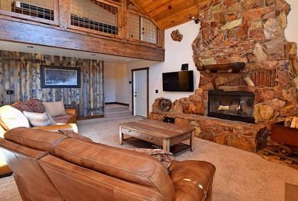 Howling Wolf Lodge - Big Bear, California