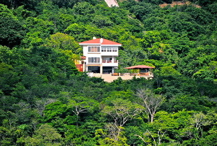 Casa Del Soul - Large Oceanfront Luxury House Surrounded by Jungle