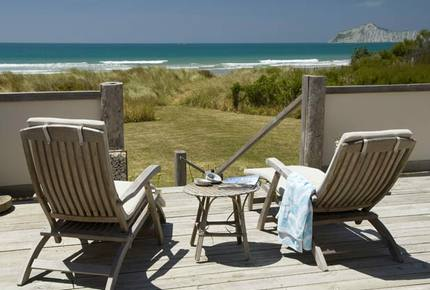 Remote Luxury in a Seafront Playground - Waimarama Beach, New Zealand