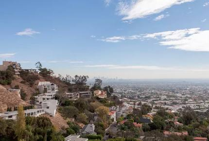 Stylish Contemporary House in the Hollywood Hills - Los Angeles, California