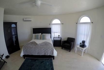 Whale Point Hotel - North Eleuthera, Bahamas