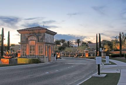 Las Vegas Luxury Golf Course House - Just 20 Minutes to the Vegas Strip!