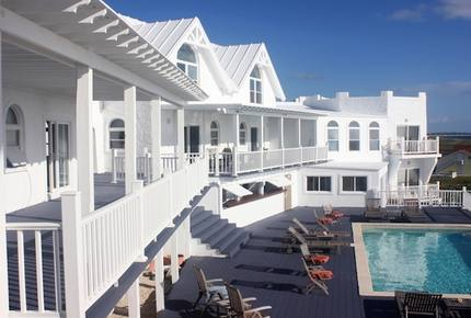 Whale Point Hotel