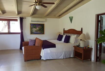 Tres Palmas Villa with gorgeous golf, lake & ocean horizon views - La Romana, Dominican Republic