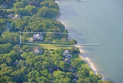 Sag Harbor Waterfront Estate With Dock - Sag Harbor, New York