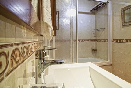 Toledo Palace Suite Apartment - Toledo, Spain
