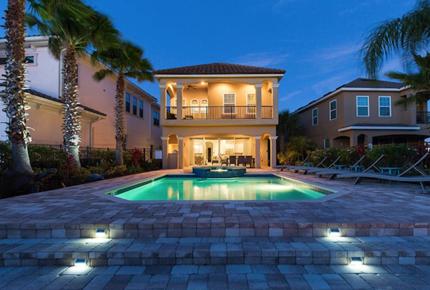 5 Bed Luxury Villa 6 Miles to Disney in Luxury Reunion Resort Professionally Managed