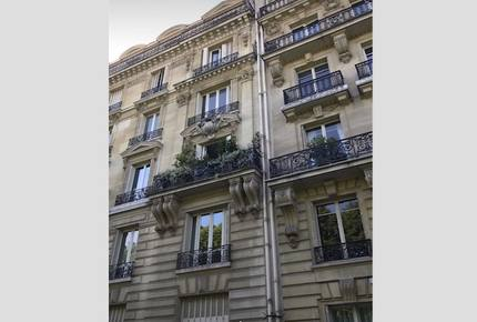 Stylish Apartment in 16th Arrondissement - Paris, France