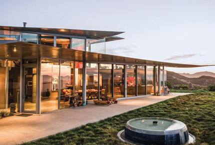 EXCLUSIVE STAY EXPERIENCE - Malibu & LA Curated Art Immersion, California