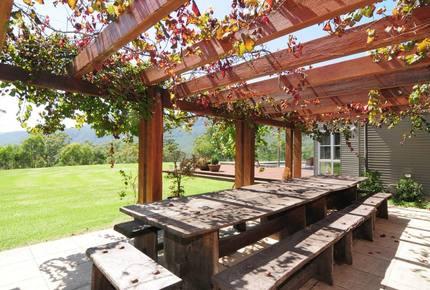 Bottlebrush Lodge