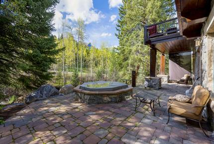 Quintess Collection - Creekside Chalet