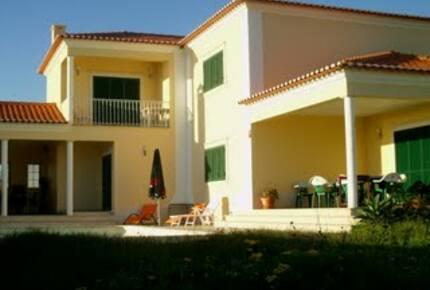 Fantastic Villa at Azenhas do Mar - Portugal
