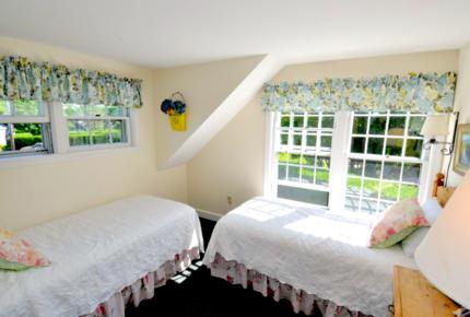 Honeysuckle Cottage Property - 4 Bedrooms plus 2 Lofts - Just Blocks to Center of Town! - Nantucket, Massachusetts