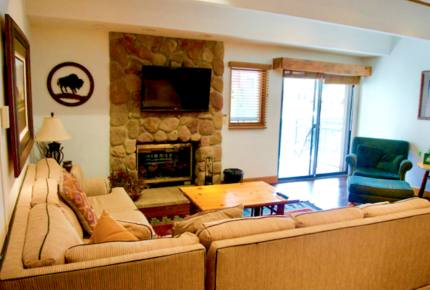 Vail Luxury Condo - Short walk to Lionshead Gondola and Lift!