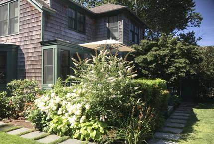 Sag Harbor Charming Victorian Cottage - Hamptons - Sag Harbor, New York