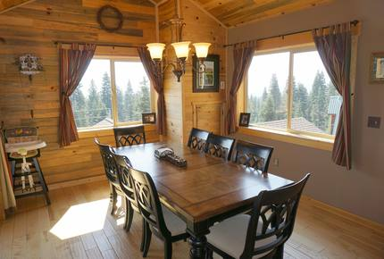 Truckee Moose Manor