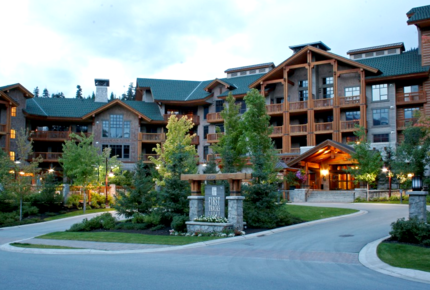 First Tracks Lodge - Luxury Ski-in/Ski Out Whistler Condo