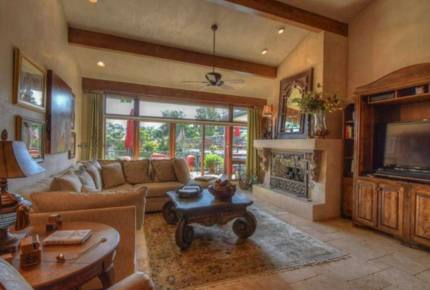 Horseshoe Bay Luxury Lakehouse - La Mansion