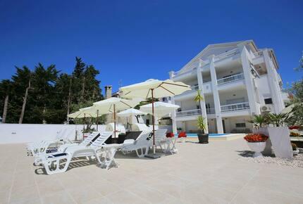 Villa Triana (HS)