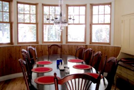 Rough Hewed Manor - Ski-in/Ski-Out Luxury