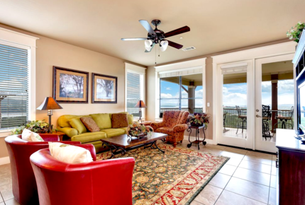 Lake Travis Hollows Resort Villa