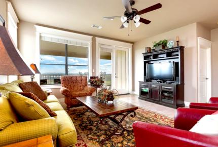 Lake Travis Hollows Resort Villa