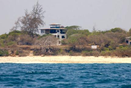 Takaungu House