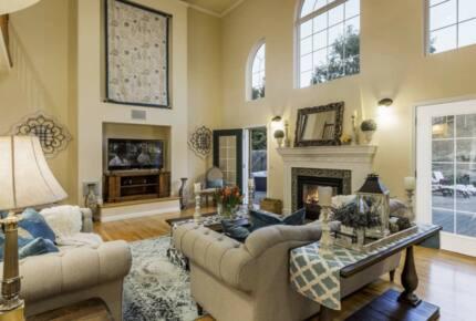 Sonoma Moon Manor - Penngrove, California