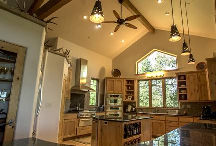 Steamboat Mountain Home