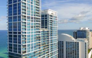 Chic Carillon Miami Beach Townhome - Miami Beach, Florida