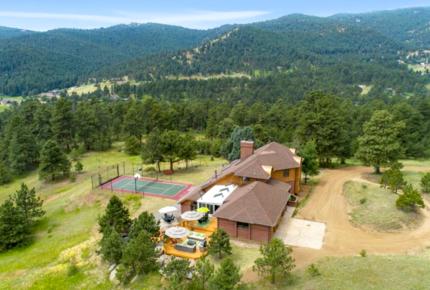 Red Rocks Mountain Lodge - Denver Foothills